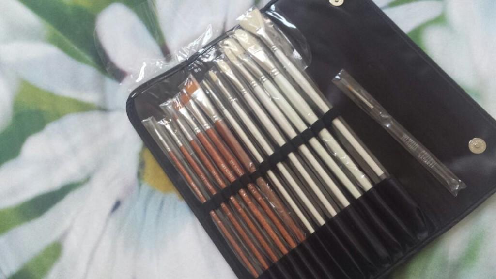 art supply brushes